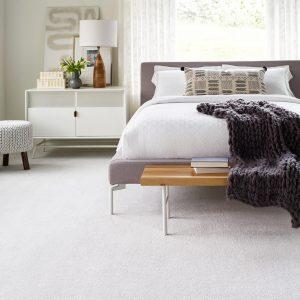 Bedroom white carpet | Carpet Mart, INC